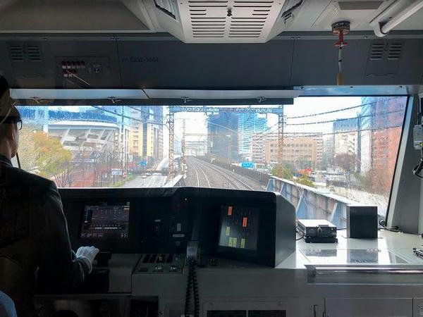 横浜スタジアム横を通過