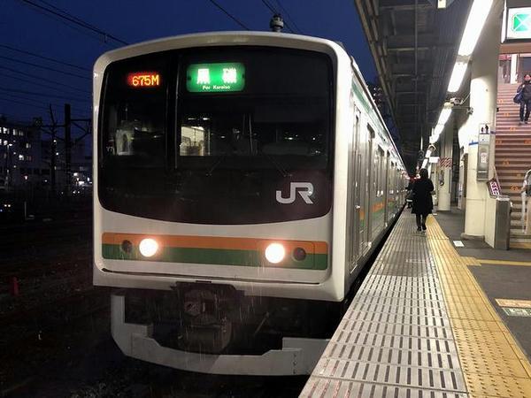 宇都宮駅に停車中の黒磯行き普通列車