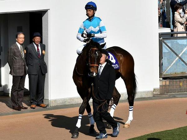 (4)マイネルプロンプト号(せん7・森一馬騎手)