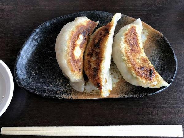 肉たっぷりギョーザ(3コ) 320円