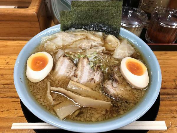 こってり系ワンタンメン 880円 + 味付煮卵 100円