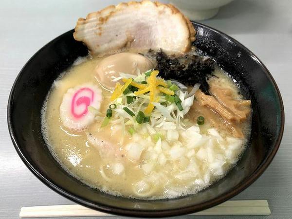 幸乃鶏そば 896円