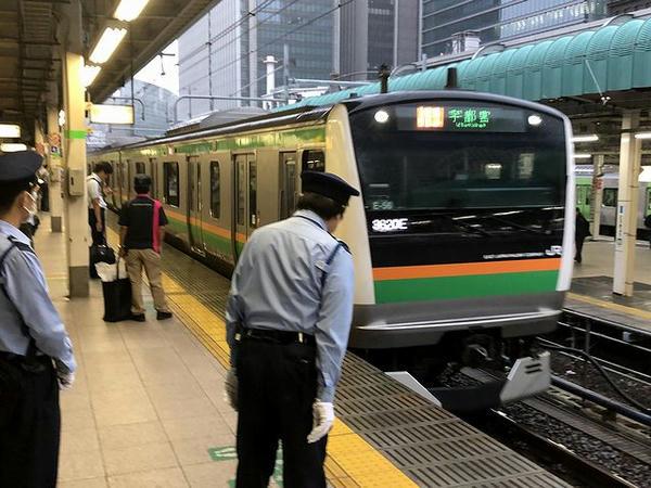 東京駅に入ってきた上野東京ライン快速ラビット号