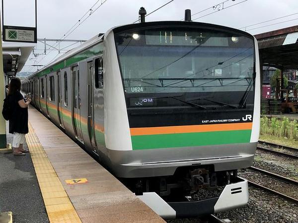 自宅最寄り駅に入ってきた上野東京ライン普通列車