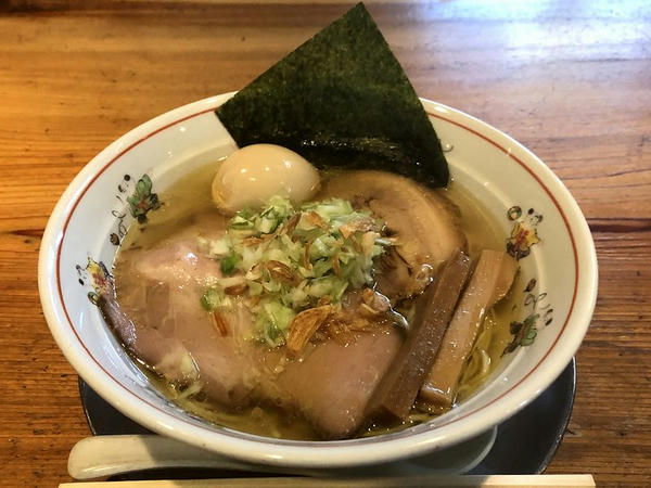 塩ラーメン 730円 + 一楽のせ 220円