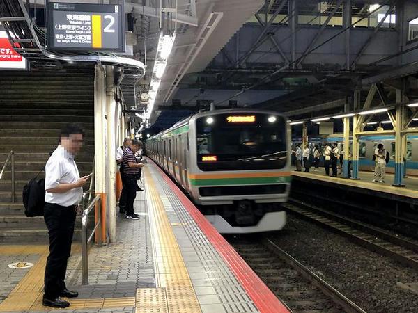 川崎駅に入ってくる上野東京ライン普通列車