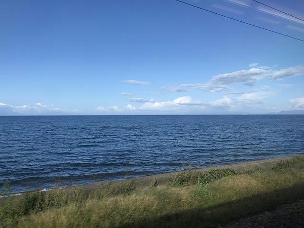 車窓から見た内浦湾