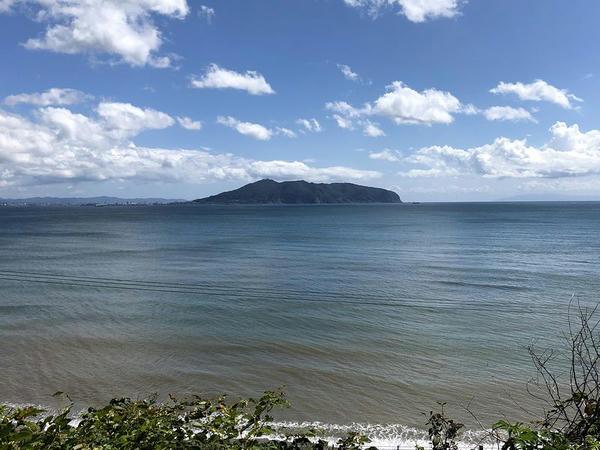 車窓から見た函館山