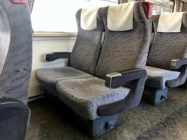 1号車(普通車指定席)のシート