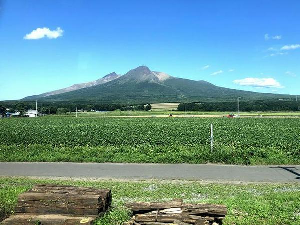 車窓から見た駒ケ岳その1