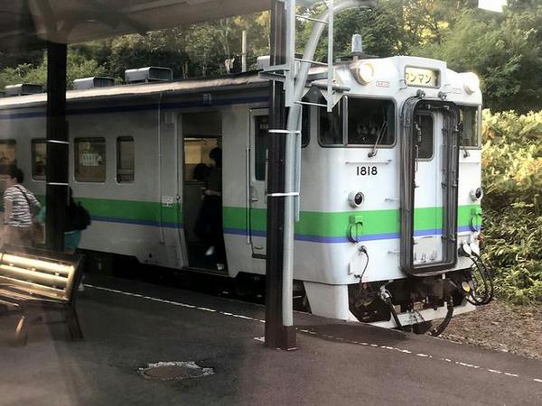 小沢駅で列車交換