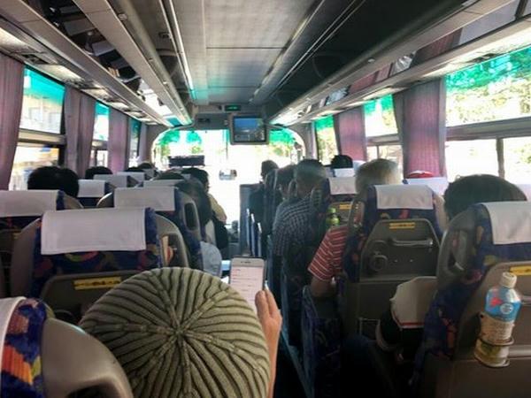 無料送迎バス内の様子