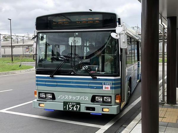 石岡駅に到着した空港連絡バス