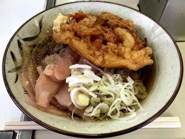 生そうめんの冷やし麺 370円 + 天ぷら 100円 + 岩下の新生姜スライス 100円