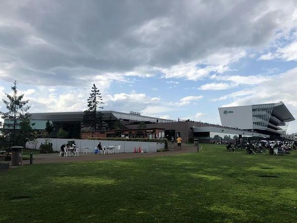 札幌競馬場のスタンド