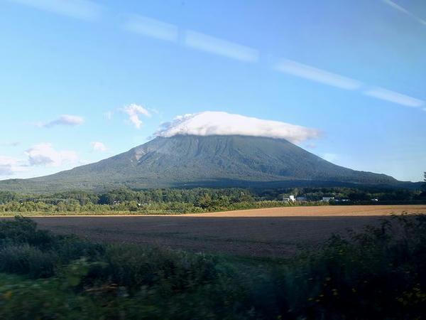 車窓から見た羊蹄山