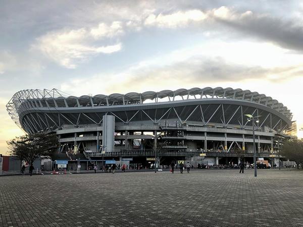 ビジター側から見た茨城県立カシマサッカースタジアム