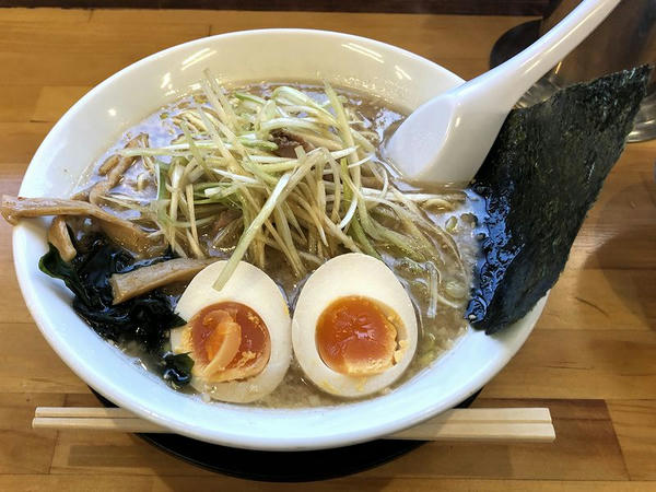 ネギ味噌ラーメン 840円 + 味付玉子 100円
