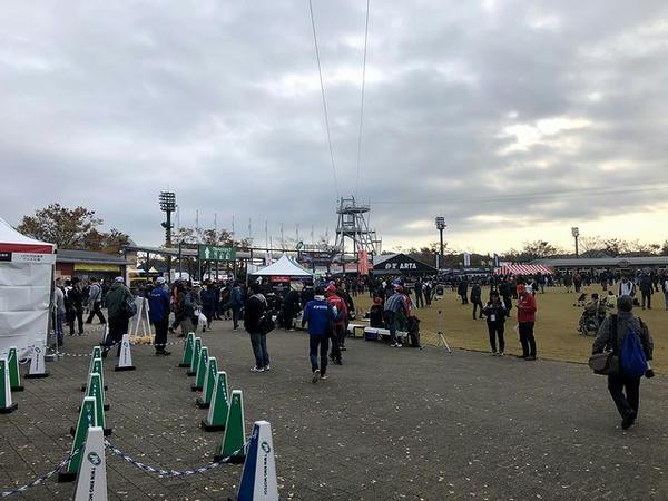 決勝日開門時刻の中央エントランス