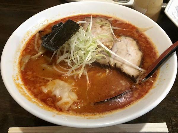 素ラーメン(ピリ辛みそ<辛>) 680円