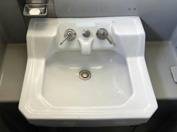 懐かしい形状の洗面台