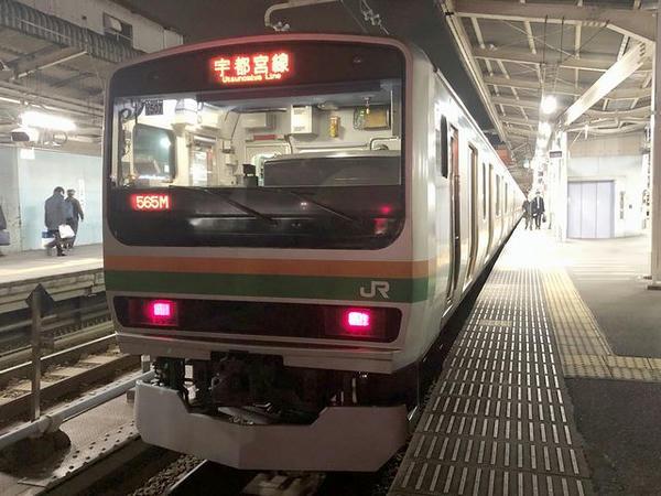 上野駅に停車中の宇都宮行き最終の普通列車