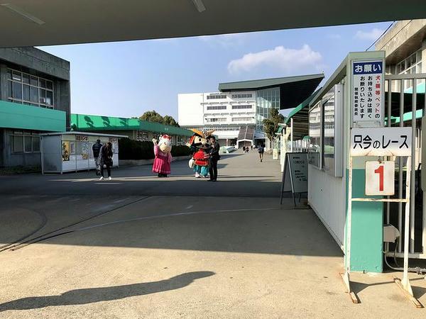 姫路競馬場正入場門