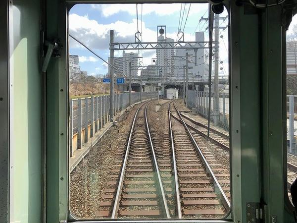 フラワータウン駅進入