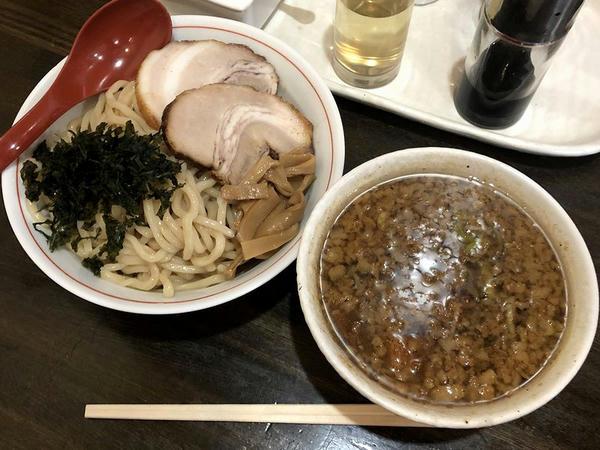 つけ麺(醤油背脂入り) 790円