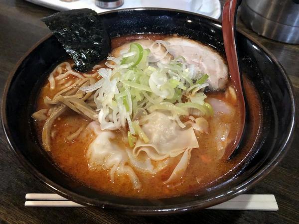 ワンタンメン(あっさりピリ辛みそ) 780円