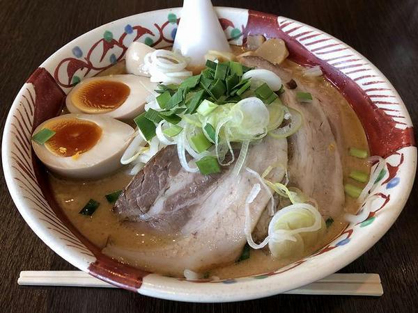 鉄板焼き飯セット A set の味玉味噌麺