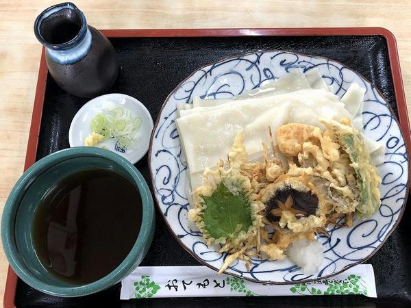 冷やし野菜の天ぷらおしらじうどん(大盛) 850円