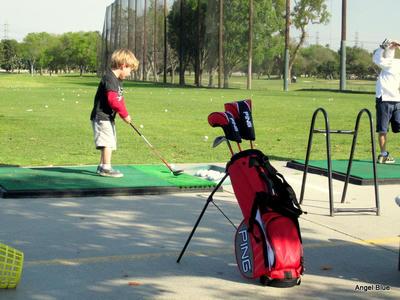 3歳のゴルファー