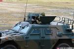 軽装甲機動車より射撃
