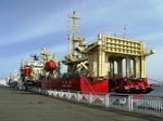 油回収船1