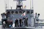 掃海艇入港-8