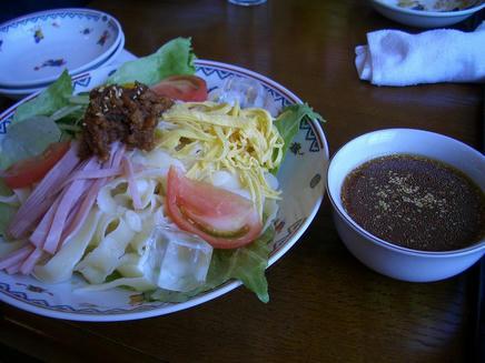 成龍飯店(刀削麺)