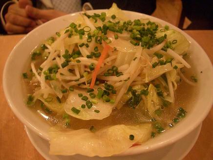 万豚記(野菜湯麺)