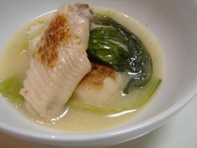 手羽先と青梗菜のスープ煮
