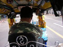 tuktuk.bagkok.jpg