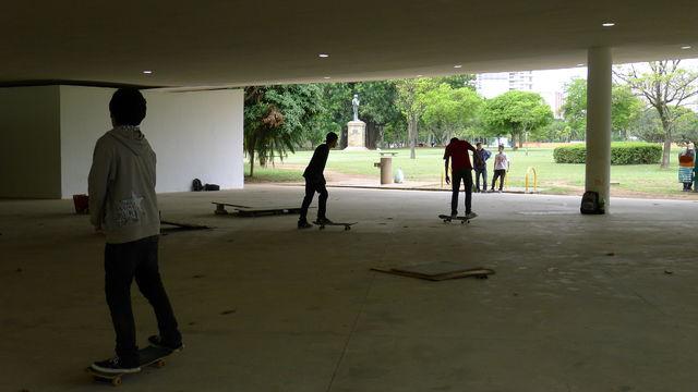 skateborders.jpg