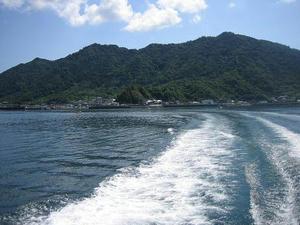 船からの御所浦.jpg