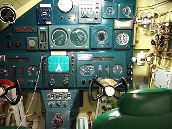 潜水艦の操舵席