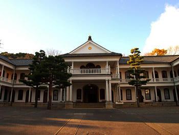 三重県庁舎は重文です