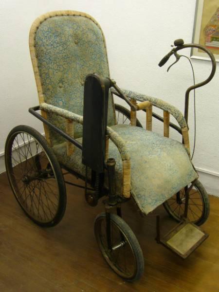 アンティーク車椅子型自転車