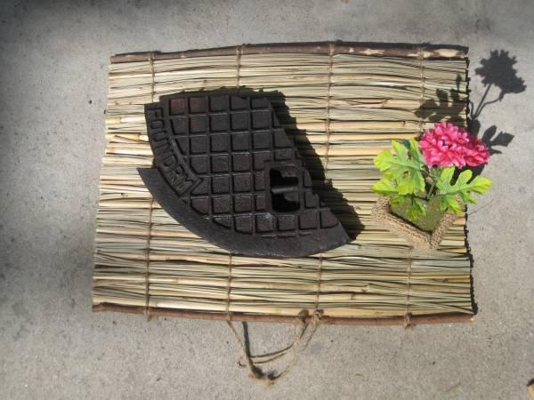 マンホール蓋の破片 インテリア 骨董