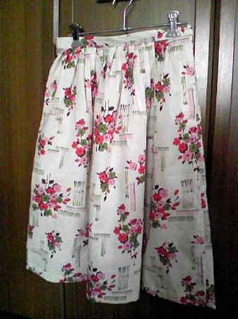 花柄のスカート