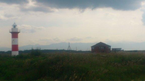 石狩灯台と手稲山