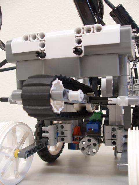 2009サマーチャレンジのロボット。これが初めて作ったNXTだったりする。