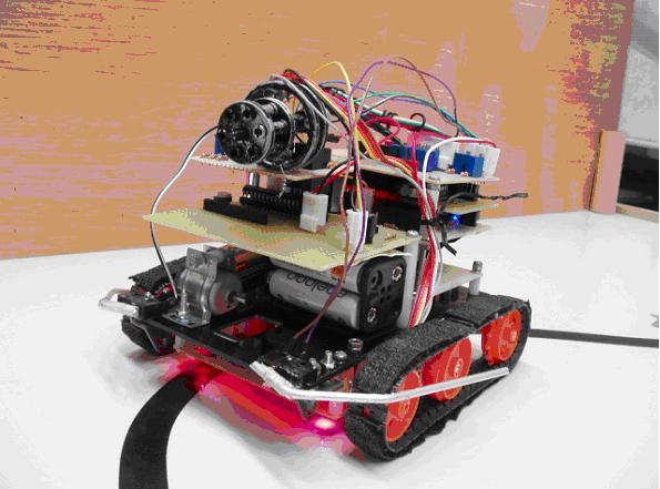 僕が作成した最初の「自作機」です。でもこの写真はまだ作成途中・・かな?